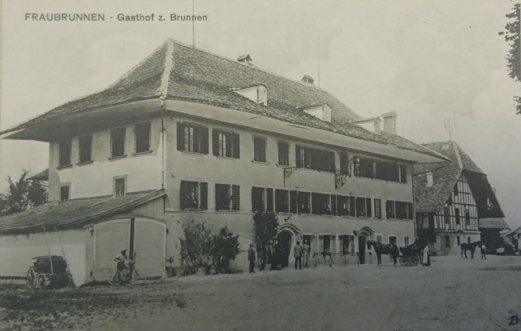 Postkutsche vor dem Gasthof